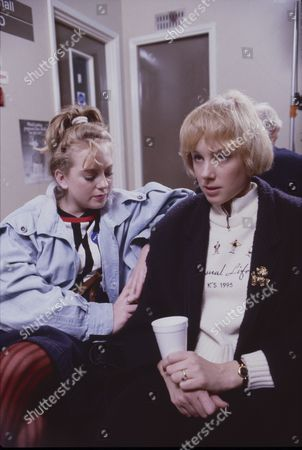 Stock Image of Julie Foy (as Gina Seddon) and Sally Dynevor (as Sally Webster)
