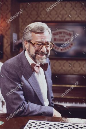 Stock Photo of Kenneth Alan Taylor (as Cecil Newton)
