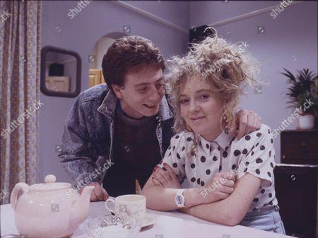 Sean Wilson (as Martin Platt) and Julie Foy (as Gina Seddon)