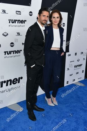 Juan Diego Botto (L) and Michelle Dockery