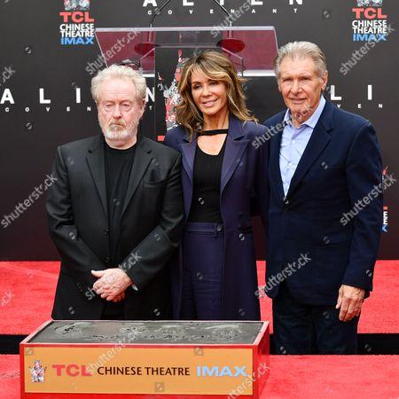 Ridley Scott, Giannina Facio and Harrison Ford