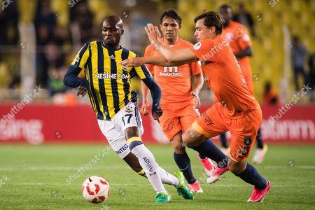 (L-R) Moussa Sow of Fenerbahce SK, Alexandru Epureanu of Istanbul Medipol Basaksehir