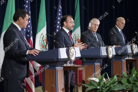 Mexican Foreign Secretary Luis Videgaray (2-L), with Mexican Secretary of Government Miguel Angel Osorio Chong (L), US Secretary of State Rex Tillerson (2-R) and Secretary of Homeland Security John Kelly (R), responds to a question from the news media after participating in the Strategic Dialogue on Disrupting Transnational Criminal Organizations at the State Department in Washington, DC, USA, 18 May 2017.