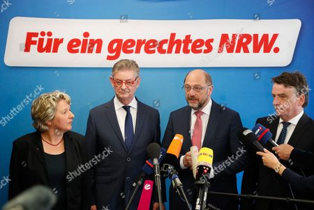 Svenja Schulze (L-R), designated SPD General Secretary in  North Rhine-Westphalia, Norbert Roemer, treasurer of North Rhine-Westphalian Social Democratic Party (SPD), Martin Schulz, German Chancellor candidate and leader of the Social Democartic Party (SPD) and Michael Groschek, acting Minister for Transport in North Rhine-Westphalia during a press conference after the SPD Executive Committee meeting in Duesseldorf, Germany, 19 May 2017. The Executive Committee agreed to propose Groschek as a candidate for new SPD's leader in North Rhine-Westphalia. SPD's election defeat on 14 May 2017 led to the resignation of party leader Hannelore Kraft.