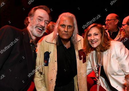 Stock Photo of Harry Goaz, Michael Horse and Lesli Linka Glatter
