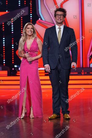 Die Moderatoren Sylvie Meis and Daniel Hartwich.