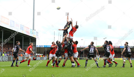 Geoff Parling of Exeter Chiefs steals a line out