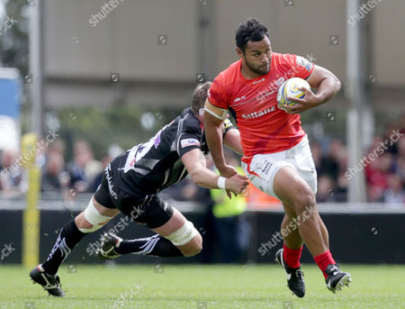 Billy Vunipola of Saracens gets away from Geoff Parling of Exeter