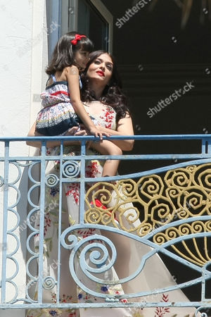 Aaradhya Bachchan with her daughter