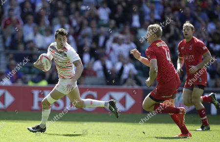 Ollie Lindsay-Hague (of England runs in a Try in the Semi-Final against Canada