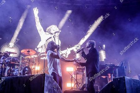 Incubus, Brandon Boyd, Cage The Elephant, Matthew Shultz doing a Chris Cornell tribute