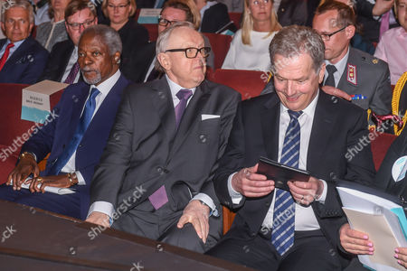 (L-R) Former UN Secretary General Kofi Annan, former president of Finland Martti Ahtisaari and Finland's President Sauli Niinisto attend the 'Wisdom Wanted - CMI and the Elders' seminar in Helsinki, Finland, 22 May 2017. Finish NGO Crisis Management Initiative (CMI) hosted a seminar to discuss ethical leadership and political courage in today's world.