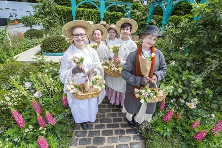 500 years of Covent Garden, The Sir Simon Milton Garden with flower sellers and Eliza Doolittle