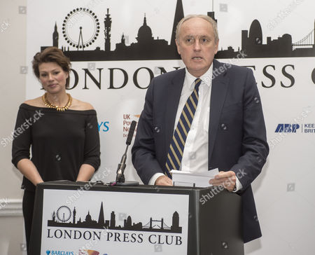 Paul Dacre. Daily Mail Editor-in-chief Paul Dacre Receiving An Award For Daily Newspaper Of The Year At The Annual London Press Club Awards Ceremony. 5/4/2016.