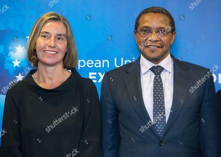 Federica Mogherini and Jakaya Kikwete
