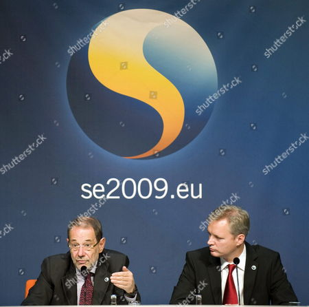 European Union (eu) Foreign Policy Chief Javier Solana (l) and Swedish Defense Minister Sten Tolgfors (r) at a News Conference During an Informal Eu Defence Ministers Meeting in Gothenburg Sweden on 28 September 2009 Sweden Gothenburg
