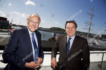 Lars G Olofsson (l) Ceo of Swedish Energy Company Vattenfall Together with Gerhard Schroder Former German Chancellor in Goteborg Sweden 06 May 2009 the Two Men Took Part in a Meeting of the German-swedish Chamber of Commerce Sweden Goteborg