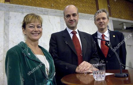 (l-r) New Swedish Culture Minister Lena Adelsohn Liljeroth (l) Swedish Prime Minister Fredrik Reinfeldt (c) and New Trade Minister Sten Tolgfors (r) During a Press Conference in Stockholm Sweden on Tuesday 24 October 2006 Adelsohn Liljeroth and Tolgfors Will Replace Two Cabinet Members who Resigned From the Center-right Government Amid Allegations of Tax Evasion Sweden Stockholm