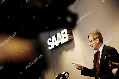 Saab Managing Director Jan Ake Jonsson Pictured During the Press Conference at the Saab Factory in Trollhattan Sweden 18 February 2009 Saab Parent Company General Motors Has Announced Its Plans Regarding Swedish Carmaker Saab Saying It Wants Saab to Become a Company of Its Own From 2010 the Swedish Government Said It was not Prepared to Take Over Saab the Loss-making Swedish Subsidiary of Us Automotive Giant General Motors Corp Without Swedish State-funding Gm Indicated That Saab Could Be Forced to File For Bankruptcy Sweden Trollhattan