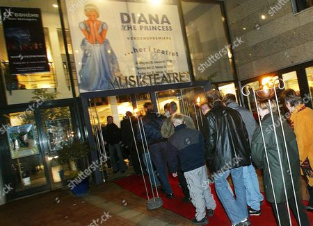 Holstebro Denmark : People Queue For the World Premiere of the Danish Ballet Choreographer Peter Schaufuss' New Ballet 'Diana the Princess' in Holstebro Jutland 27 February 2003 British Ballerina Zara Deakin Plays the Part of Princess Diana the Music is by Sir Edward Elgar British Band the Cure and the Danish Composers Soren Dahl and Kristian Borregaard Schaufuss Met with Princess Diana in 1986 when He was in Charge of the London Festival Ballet Epa Photo Scanpix Nordfoto / Claus Fisker Denmark Holstebro