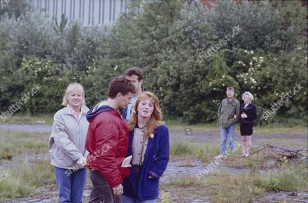 Sally Dynevor (as Sally Webster), Sean Wilson (as Martin Platt), Michael Le Vell (as Kevin Webster), Sally Ann Matthews (as Jenny Bradley), Kevin Kennedy (as Curly Watts) and Michelle Holmes (as Tina Fowler)