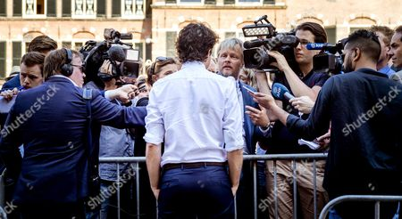 Dutch Jesse Klaver of the Green Left Party (GroenLinks) talks to the press after his meeting with Health minister Edith Schippers in The Hague, the Netherlands, 26 May 2017. Schippers was re-appointed as an informer for a new cabinet by the Lower House.