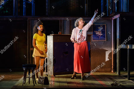 Siena Kelly (Ivy), Maggie Steed (Madame Dilly)