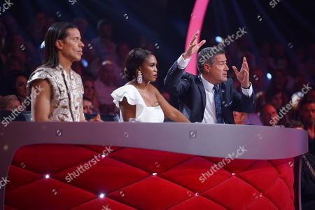 Die Jury: Jorge Gonzalez (l.), Motsi Mabuse and Joachim Llambi wife Moderator Daniel Hartwich (r.).