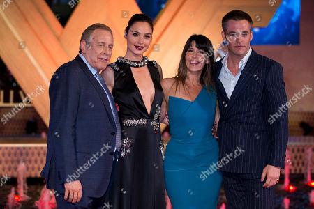 """Chuck Roven, Gal Gadot, Patty Jenkins, Chris Pine Producer Chuck Roven, from left, actor Gal Gadot, director Patty Jenkins, and actor Chris Pine pose together for photographers at the Latin American premiere of the film """"Wonder Woman,"""" in Mexico City, . """"Wonder Woman"""" will open in theaters worldwide on June 2"""