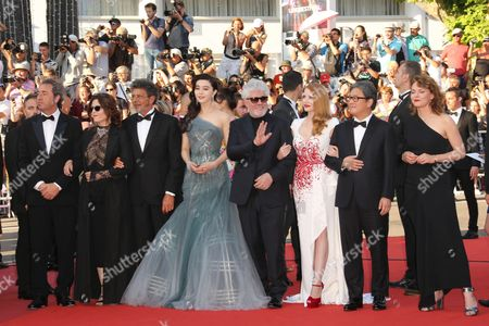 Paolo Sorrentino, Agnes Jaoui Gabriel Yared, Fan Bingbing, President of the Jury Pedro Almodovar, Jessica Chastain, Paolo Sorrentino, Maren Ade and Park Chan-Wook