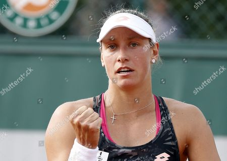 Yanina Wickmayer of Belgium reacts as she plays against Daria Kasatkina of Russia during their women's 1st round single match during the French Open tennis tournament at Roland Garros in Paris, France, 30 May 2017.
