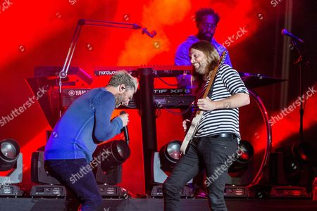 Maroon 5 - Adam Levine, James Valentine and PJ Morton