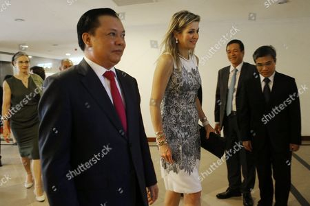 Stock Photo of Maxima and Dinh Tien Dung