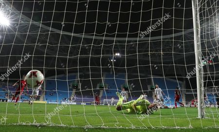Keeper Michael Wood of New Zealand concedes as Jeremy Ebobisse (unseen) of the USA scores during the round of 16 match of the FIFA U-20 World Cup 2017 between the the USA and New Zealand in Incheon Football Stadium, South Korea, 01 June 2017. USA won 6-0.