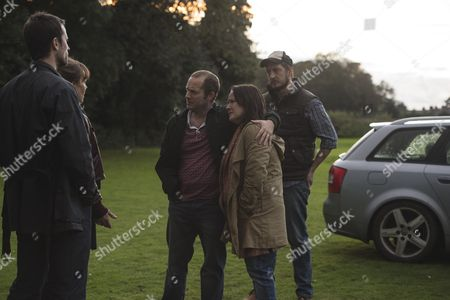 Stock Image of (Episode 1) - Helen McCrory as Emma Banville, Jonathan Forbes as Dominic Truelove, Rick Warden as Charlie Simms, Cathy Murphy as Beth Simms and Ben Cartwright as Phil Simms.