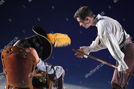 (L-R) Miki Ando, Javier Fernandez