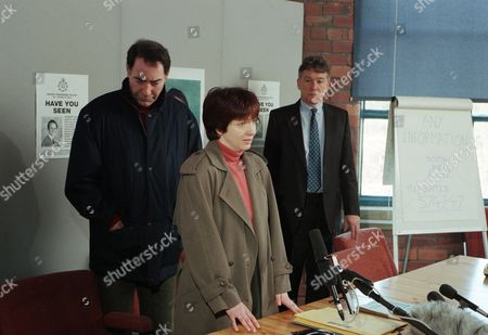 Sarah and Jack arrive at the Police press conference and Jack makes an emotional appeal for Robert's return. They are then questioned about the newspaper allegations and Sarah speaks out, saying she's done nothing wrong and that she just wants Robert home - With Sarah Sugden, as played by Alyson Spiro ; Jack Sugden, as played by Clive Hornby, and DI Farrar, as played by David Beckett. (Ep 1957 - 21st March 1995).