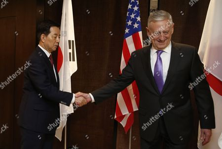 Stock Picture of James Mattis and Han Min-goo