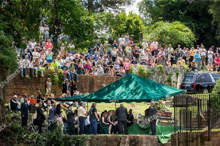 Family, friends and fans attend Gregg Allman's burial at Rose Hill Cemetery, in Macon, Ga