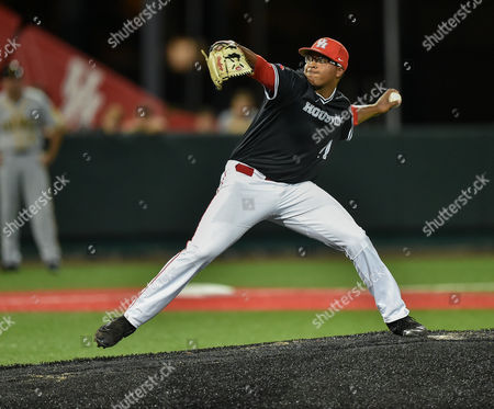 Houston pitcher Aaron Fletcher (47) during the NCAA regional baseball playoff game between the Houston Cougars and the Iowa Hawkeyes at Schroeder Park in Houston, Texas. Iowa defeated Houston 6-3