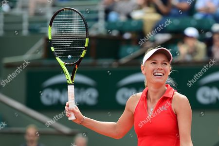 Caroline Wozniacki (DEN) celebrates winning 2-1 during the fourth round of the Roland Garros Tennis Open 2017 at Roland Garros Stadium, Paris