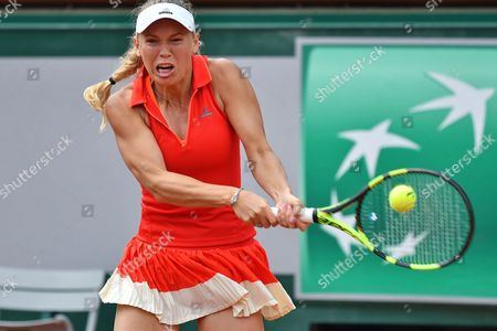 Caroline Wozniacki (DEN) wins the first set during the fourth round of the Roland Garros Tennis Open 2017 at Roland Garros Stadium, Paris