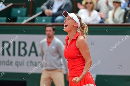 Caroline Wozniacki (DEN) celebrates her 2-1 win against Svetlana Kuznetsova (RUS) during the third round of the Roland Garros Tennis Open 2017 at Roland Garros Stadium, Paris