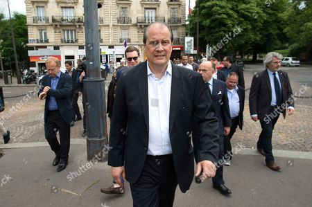 Jean-Christophe Cambadelis campaigning for the parliamentary elections