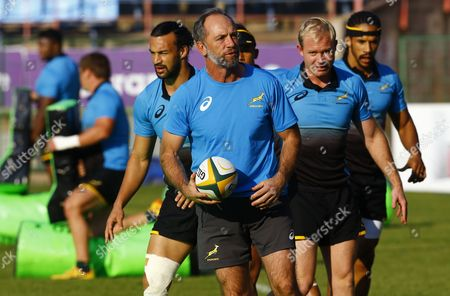New South African national rugby union Springboks assistant coach and former coach of Saracens club, Brendan Venter (front), talks to players prior to a Springboks training session at the Loftus Stadium, Pretoria, South Africa, 06 June 2017. South Africa face France in the first of three test match upcoming Saturday.