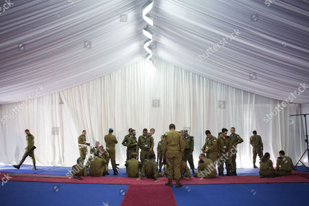Israeli soldiers wait before a welcome ceremony for Ethiopian Prime Minister Hailemariam Desalegn and his wife Roman Tesfaye at the Prime Minister's Office in Jerusalem, Israel, 06 June 2017. Desalegn is on a four-day official visit to Israel.