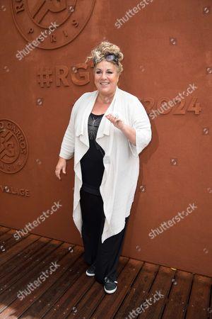 Singer Marianne James
