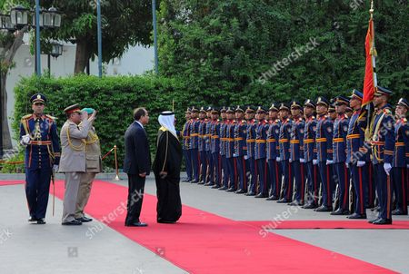 Egyptian President Abdel Fattah al-Sisi welcoming King of Bahrain Hamad bin Issa al-Khalifa