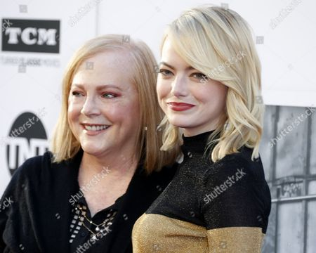 Stock Picture of Emma Stone and Krista Stone