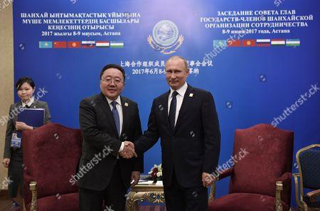 Tsakhiagiin Elbegdorj and Vladimir Putin